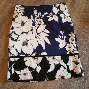 EUC White House Black Market skirt